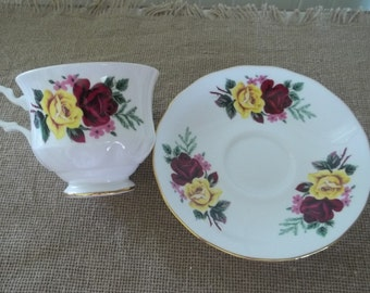 Roses Teacup and Saucer   Queen Anne Fine Bone China   England