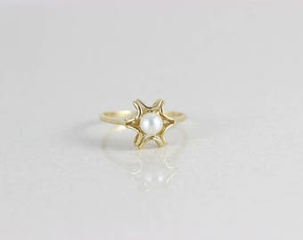14k Yellow Gold Pearl Ring Size 8