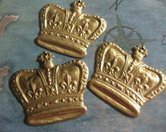 2 PC Large Raw Brass Fleur di Lis Crown Stamping - CC07