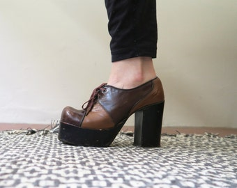 Vintage 60s Platform Shoes Two-Tone Brown Leather - Amazing - Sturdy Good Quality - 6-6.5