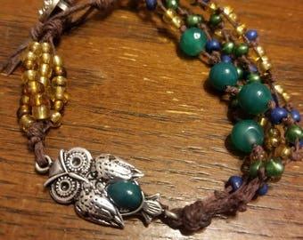 Beaded bracelet with owl charm