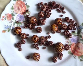 Set of 40 oz of Brown wooden beads