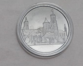 Vintage Smithsonian Chronicles Collector's Series Pewter Coin - Smithsonian Castle Completed 1855.- Capsuled, uncirculated