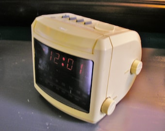 Vintage General Electric Portable AM/FM Radio Electric Radio Battery Backup # 7-4606WHA GE Alarm Clock Radio Retro Style Vintage Home