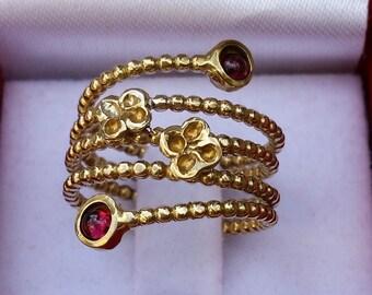 Garnet Gold Ring ,14K Yellow Gold Ring ,Gemstones Gold Ring ,Handmade Gold Ring ,Stackable Gold Ring ,Open Gold Ring ,Mother's Day Gift