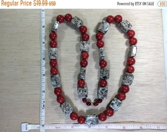 "10%OFF3DAYSALE Vintage 26"" Red Coral Jasper Beaded Necklace Used"