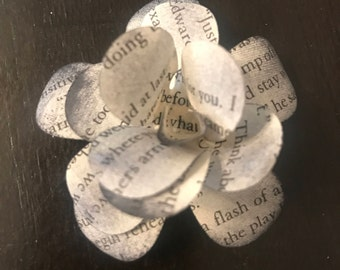 10 Flowers Made of Book Pages
