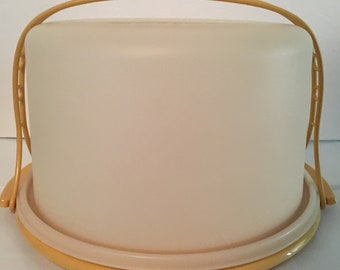 """Vintage Tupperware 9"""" Cake Taker Carrier Harvest Gold with Handle"""