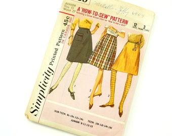 Vintage 1960s Women's Junior Size 15 Dart Fitted A-Line Skirt in Two Lengths Simplicity Pattern 6139 Complete / waist 27