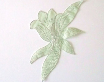 Applique sewing flower