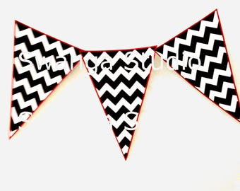Twin Peaks chevron party banners - Twin Peaks bunting flags party decoration - digital download - printable garland Twin Peaks garland