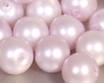 10 purple Pearl acrylic beads 8mm pale