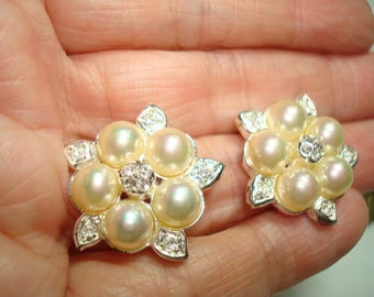 1994 ROMAN Brand Silvery Flower Earrings with Simulated Pearl Cabochons and Rhinestones.