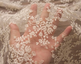 TheFabriqBoutique - Chantilly Lace French Lace Wedding Lace Wedding Veil Shell Edge Lace