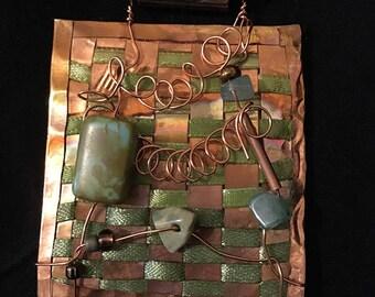 Collier cuivre tissé avec la ligne verte ruban et perles