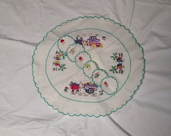 Vintage Handmade Embroidered Mexican Placemat or Wall Hanging