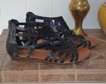 SALE! Vintage black 8US sandals