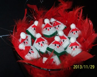"""Santa Handmade Ornament/ Gift Tag """"Squeeze my cheeks"""" w/candy KISS! Plastic canvas"""