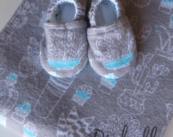 Cactus Blanket Baby Shoes Gift Set, Gray Aqua Blue Succulent Swaddle Blanket, Soft Sole Cactus Baby Crib Shoes Boy Girl Slippers Shower Gift