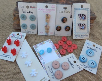 Lot of 182 Buttons on Cards  ~  Buttons on Cards  ~  182 Buttons on Cards
