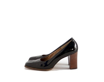 Size 8 8.5M // Vintage 60s Black Patent Leather Shoes //  Square Toe Chunky Heel Pumps // 204
