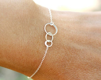 Tiny Sterling Silver Three Circle Bracelet or Anklet, everyday, best friends, 3 sister bracelet