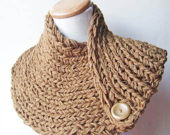 The Extraordinary Ribbed Neckwarmer In Taupe Brown