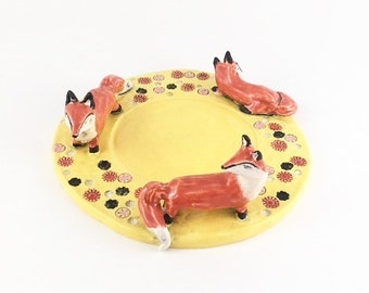 Three foxes pillar candle plate