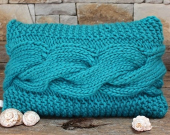 Knitted torquoise Pillow. Cable Pillow Cover. Turquoise Bed Pillow. Chunky funky Pillow. Aran Cable.  Chunky knit pillow. Blue Throw pillow