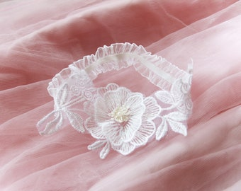 Bridal Garter Wedding Garter Set - White Garter Beaded Flower Lace Garter Garters - Vintage Inspired Wedding Gift For Bride Rustic Wedding