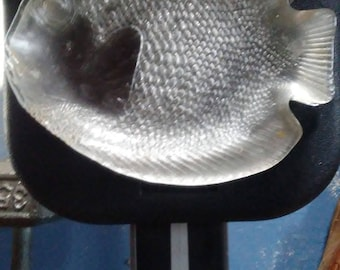 arcoroc set of 6 fish shaped plates