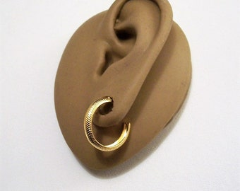 Avon Pinpoint Open Hoop Pierced Stud Earrings Gold Tone Vintage Curved Wide Band Round Dangle Surgical Steel Post