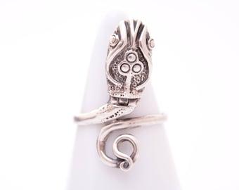 Sterling silver tribal snake ring / snake ring / sterling silver serpent ring / snake / protective amulet / amulet / snake box ring / 1912
