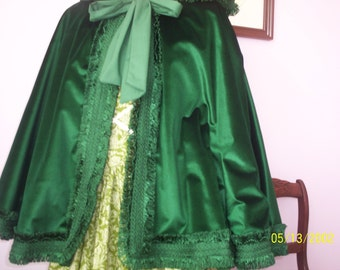 Green velveteen cape [Ready to ship]