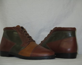 Vintage Mootsies Tootsies Brazil Brown Green Tri-Color Leather Pixie Granny Ankle Boots Size 7.5