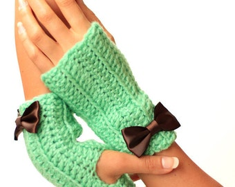 Mint and Chocolate Fingerless Gloves by Mademoiselle Mermaid