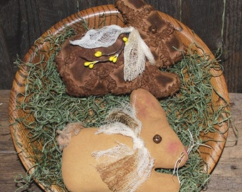 EPATTERN -- Primitive Bunny Rabbit Tucks