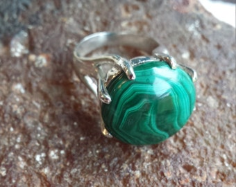Sterling silver malachite vintage ring size 9 1/2