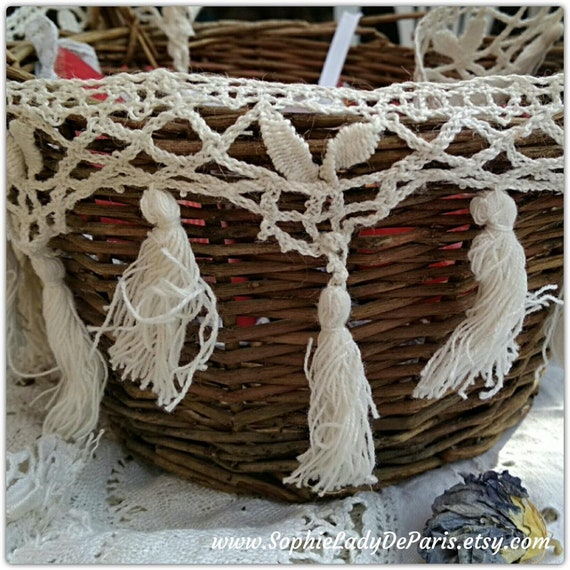 Fringed French Bobbin Lace White Antique cotton Lace Kitchen Decor Sewing Project Collectible #sophieladydeparis