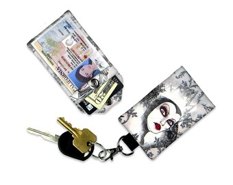 Disney Villain Evil Queen Mini Wallet Card Holder Keychain with Optional Clear ID Card Holder. Luggage Tag Credit Card Small Wallet Bag