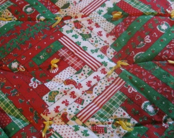 quilted &tacked tree skirt