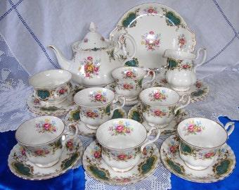 Royal Albert Berkeley Tea Set / Service