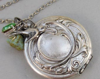 Sparrows Maiden,Locket,Silver Locket,Flower,Green,Meadow,Birthstone,Peridot,Antique Locket,Floral,Jewelry.Jewelry by valleygirldesigns.