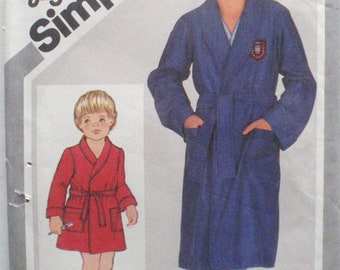 Simplicity Jiffy Sewing Pattern - Boy's Front Wrap Robe - Simplicity 5331 - Sizes 10 - 12, Chest 28 - 30