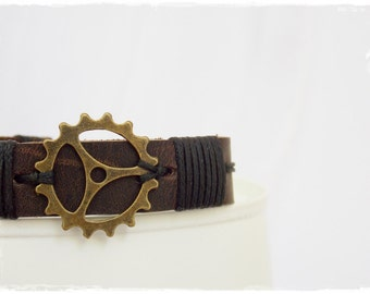 Leather Steampunk Bracelet, Men's Leather Bracelet, Steampunk Leather Cuff, Clock Gear Bracelet, Leather Wristband, Men's Leather Jewelry