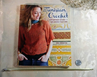 The New Tunisian Crochet Book by Dora Ohrenstein w/Tunisian  Crochet Hook - Size H