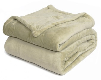 Effortless Bedding Patented Plush Semi Fitted Bed Blanket, Sage Green