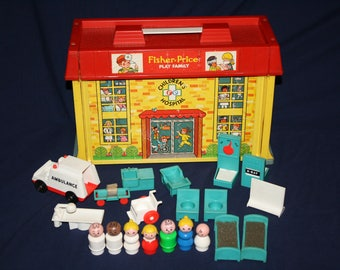 1976 Fisher Price Play Family CHILDREN'S HOSPITAL 931 COMPLETE with Accessories Little People