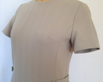 1970s taupe short sleeved sheath dress