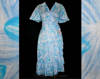 Size 12 Wrap Dress - 1950s Turquoise Blue Floral Cotton Poplin - Summer - Light As Air Flirty House Dress - Bust 40 - Deadstock - 41796